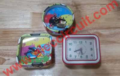 001_Cheap Quartz Alarm Clock