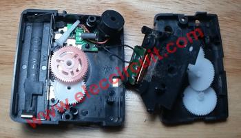 Inside Cheap Quartz Alarm Clock