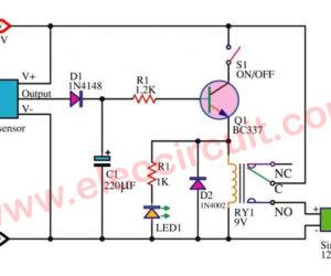 Motion detector alarm circuit with PIR sensor