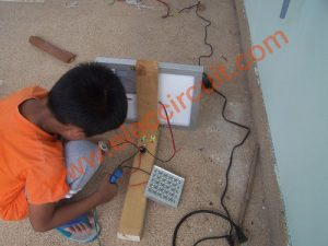 Outdoor solar lights circuits