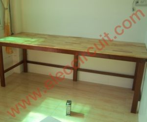 Electronics workbench table