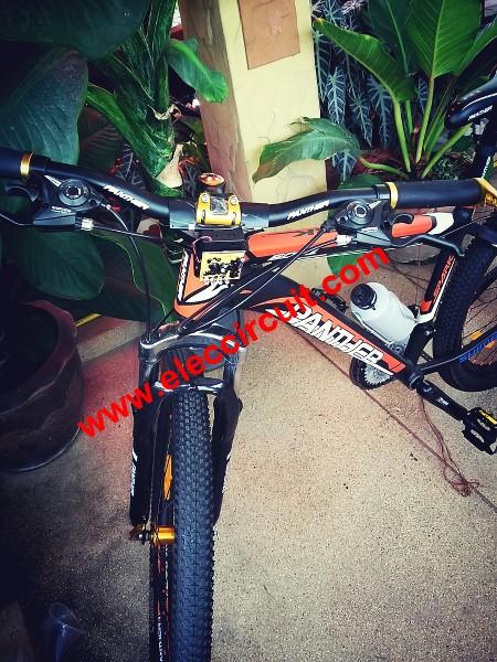 Fast-blinking-LED-bike-light