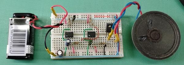 Assemble-police-siren-555-circuits-on-breadboard